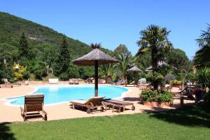 Residence La Capicciola piscina